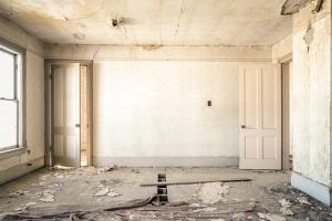 Budowanie nieruchomości z czerwonej cegły